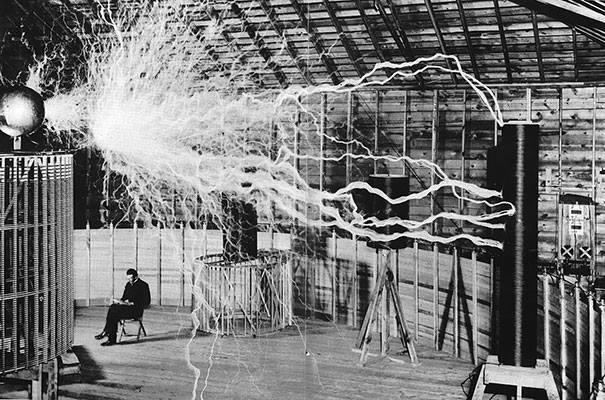 Nikola Tesla Magnifying Transmitter