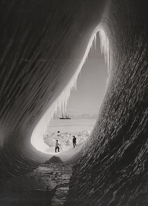 cueva iceberg expedición antártica británica