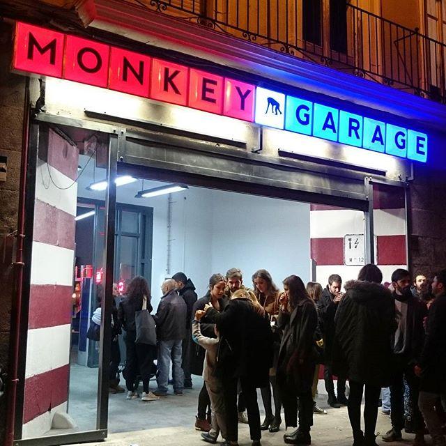 monkey garage garden ropa