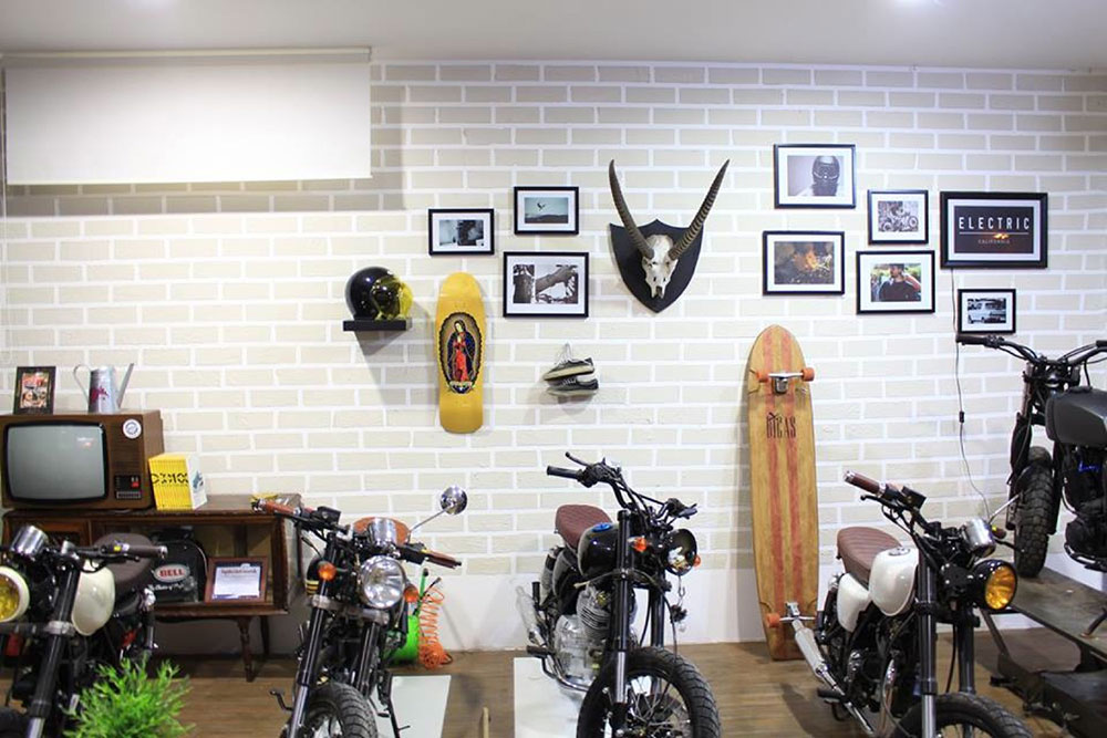 backdoor espinho shop motorcycles