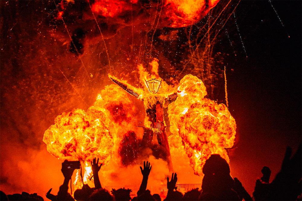 Burning Man fuego festival