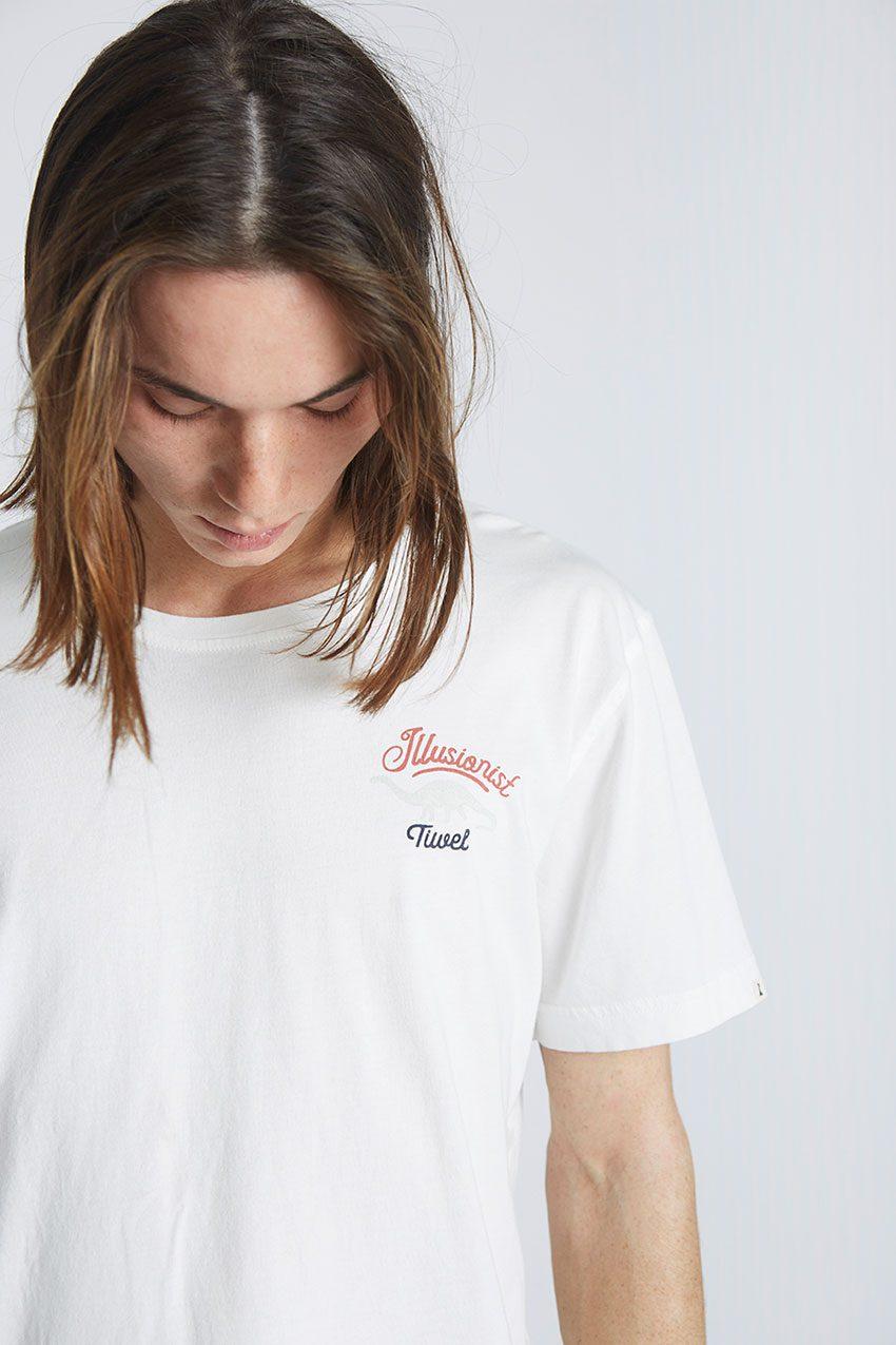 Camiseta-Illusionist-Tiwel-Snow-White-03