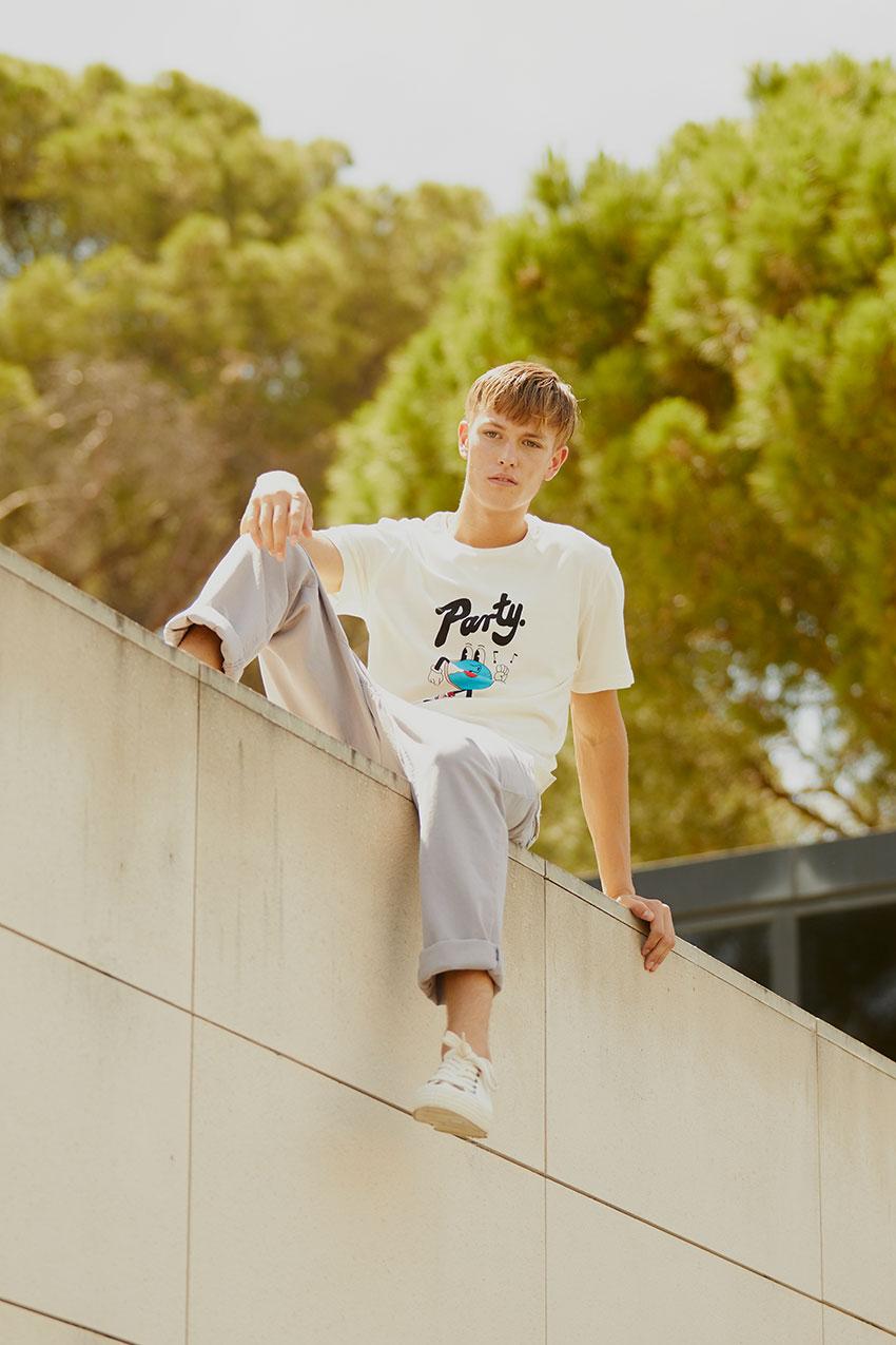 Camiseta Mate Tiwel Yeye Weller off white 04
