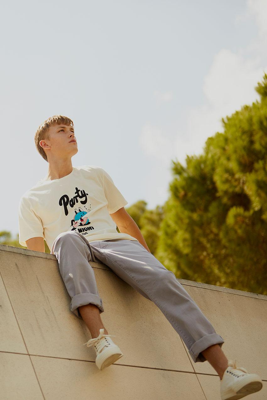 Camiseta Mate Tiwel Yeye Weller off white 05