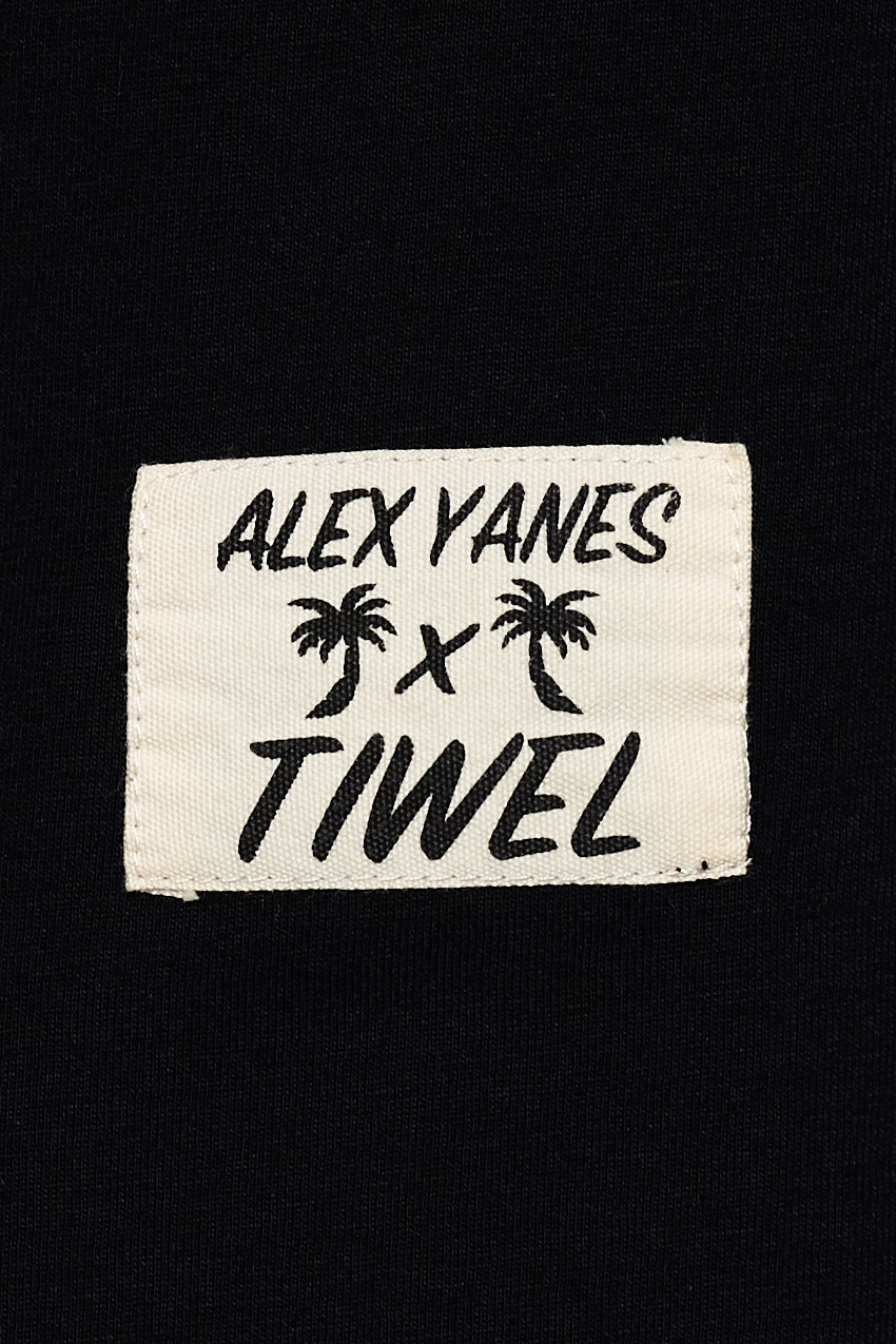 Camiseta-Matilda-by-Alex-Yanes-04