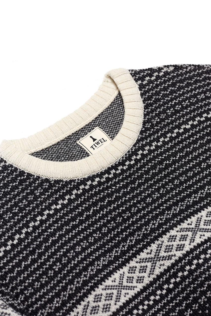 Evora Sweater 02