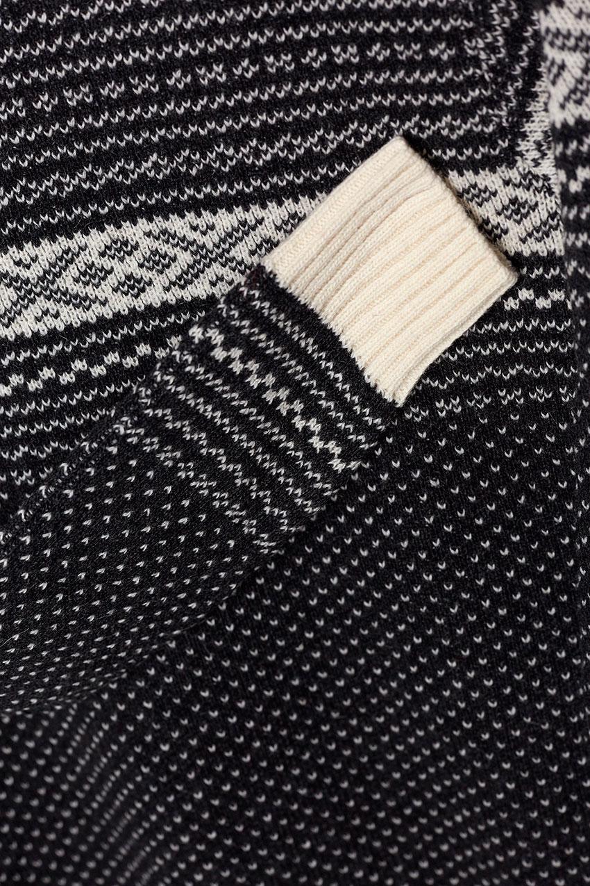Evora Sweater 03