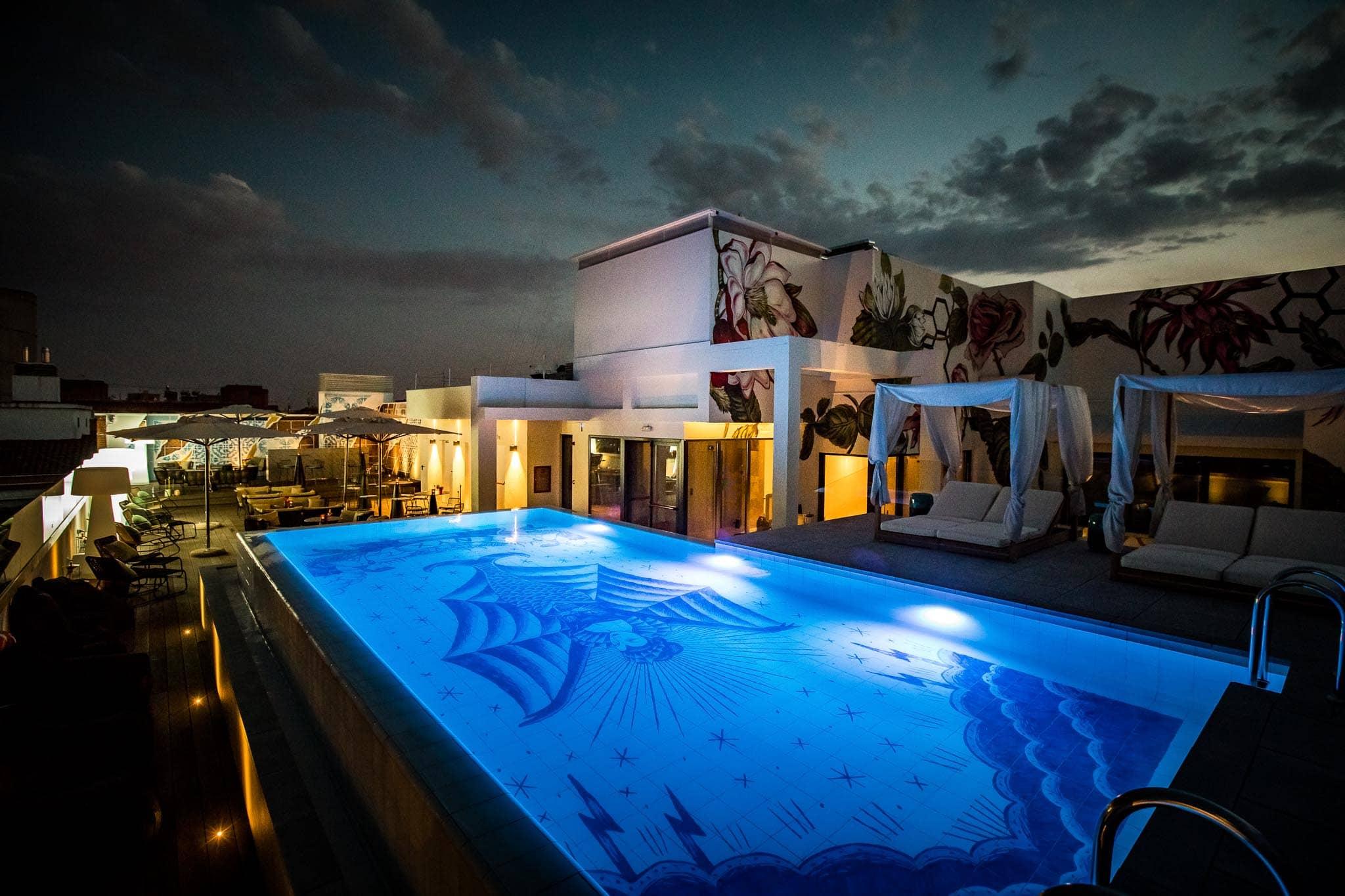 NYX HOTELS pool Sergio Mora