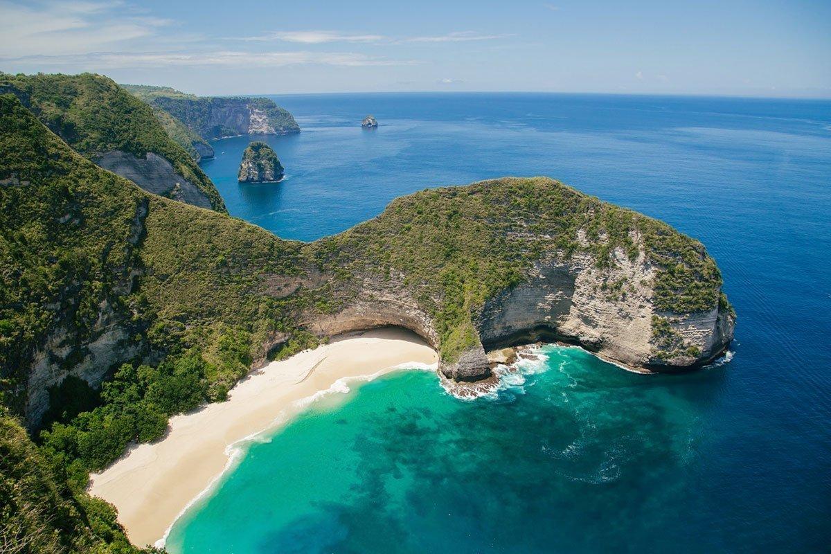 kelingking-beach-indonesia-island