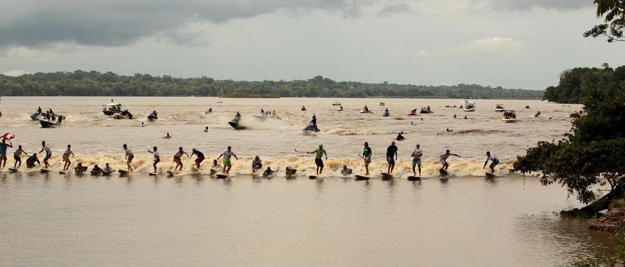 la pororoca ola brasil amazonas rio